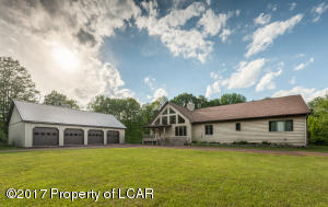 293 Peatmoss Rd, White Haven, PA 18661