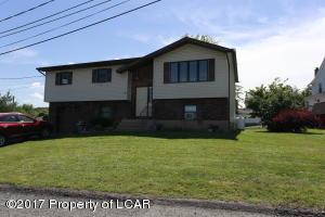 1 Railroad St, Avoca, PA 18641