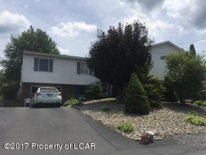 21 Atwell Dr, Dupont, PA 18641