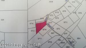 110 Village Dr, Hunlock Creek, PA 18621