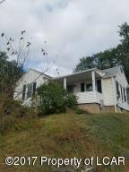 1331 Shoemaker Ave, West Wyoming, PA 18644