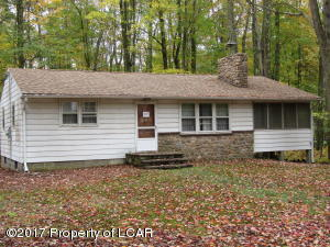 4049 White Oak Ln, White Haven, PA 18661