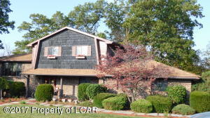 1 Lan Creek Rd, Plains, PA 18702