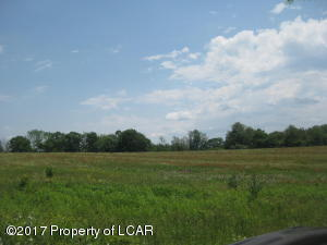 693 Lily Lake Rd, Wapwallopen, PA 18660