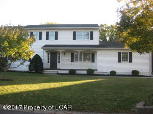 7 Manchester Drive, Wilkes-Barre, PA 18702
