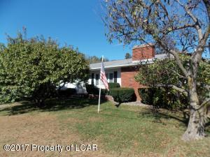 33 Kennedy Drive, Plains, PA 18706