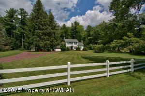 333 WHITE HAVEN RD, Bear Creek Village, PA 18602