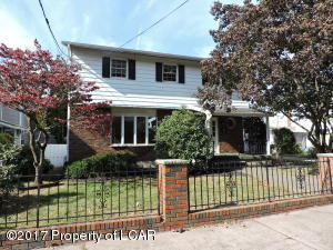 16 Defoe St, Pittston, PA 18640