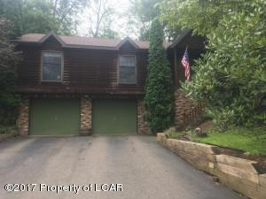 245 Bear Run Dr, Drums, PA 18222