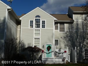54 Allenberry Dr, Hanover Township, PA 18706