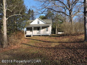 101 Hunlock Harveyville Rd, Hunlock Creek, PA 18621