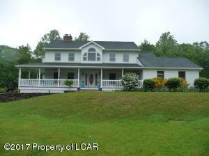 126 Red Oak Dr, Harveys Lake, PA 18618