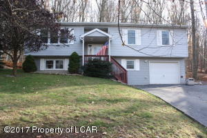 261 Snow Valley Dr, Drums, PA 18222