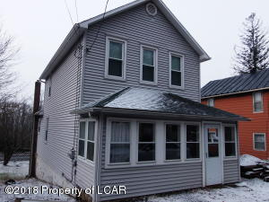 51 Woodlawn Ave, Mountain Top, PA 18707