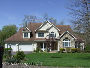 449 Black Walnut Drive, Mountain Top, PA 18707