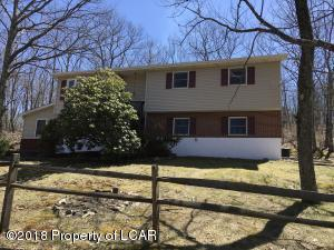 580 Mountain Oaks Dr, Laurel Run, PA 18706