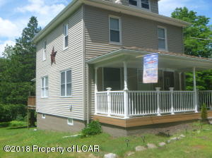 369 Woodlawn Ave, Mountain Top, PA 18707