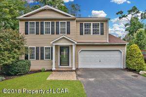 72 Mountain Rd, Mountain Top, PA 18707