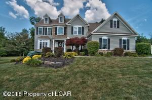 1016 Manor Dr, Mountain Top, PA 18707