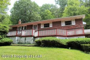 427 Old Mill Rd, Dallas, PA 18612