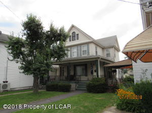 747 Main St, Avoca, PA 18641