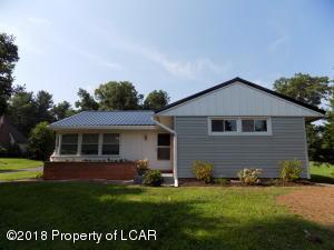 135 W County Rd, Sugarloaf, PA 18249