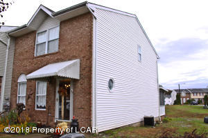 523 Clover Ct, Exeter, PA 18643