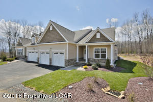 14 RESERVE Dr, Drums, PA 18222