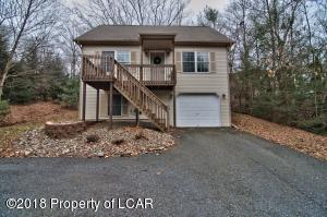93 Edge Rock Dr, Drums, PA 18222