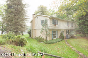 1663 W Mountain Lake Dr, Bear Creek, PA 18702