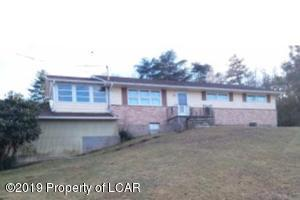 527 Ruckle Hill Road, Wapwallopen, PA 18660