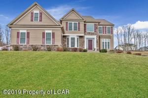 1097 Woodberry Drive, Mountain Top, PA 18707