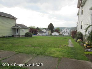 96-96 1/2 Searle Street, Pittston, PA 18640
