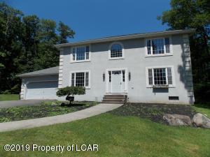 403 Manorview Avenue, Mt Pocono, PA 18344