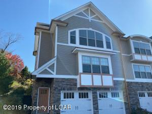 6 Maple Leaf Drive, Old Forge, PA 18518