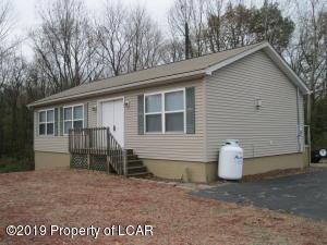 58 Chestnut Street, Jenkins Township, PA 18640