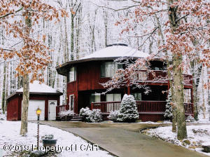 153 E Lake Valley Drive, Hazle Twp, PA 18202