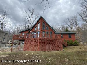 254 W Lake Valley Drive, Hazleton, PA 18202