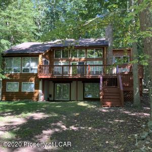 393 Lake Valley Drive, Hazleton, PA 18202