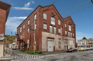 11 W Coal Street, Shenandoah, PA 17976