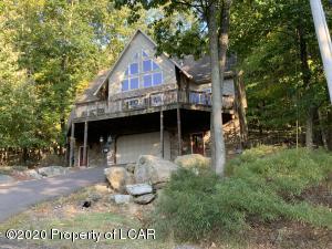 96 Kickapoo Drive, Hazle Twp, PA 18202