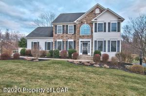 1035 Woodberry Drive, Mountain Top, PA 18707