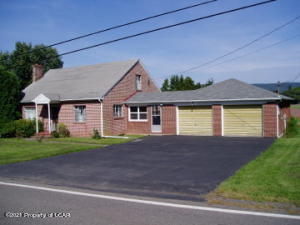 186 E County Road, Sugarloaf, PA 18249