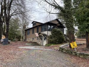158 Hillside Avenue, Harveys Lake, PA 18618