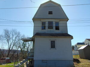 201 Grove Street, Hanover, PA 18706