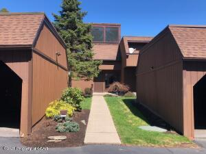 422 Orchard West, Dallas, PA 18612