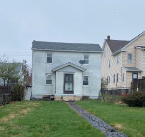 16 W Clay, West Hazleton, PA 18202