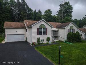 3251 Red Maple Lane, Pocono Pines, PA 18350