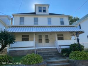 39 W Luzerne Avenue, Larksville, PA 18651