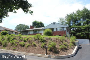 1672 OAK RIDGE PLACE, Williamsport, PA 17701